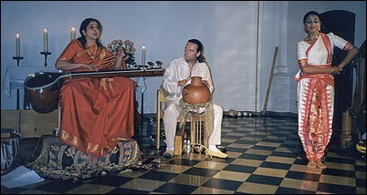 Aruna and Rajika in concert with Christian Bollmann and Michael Reimann
